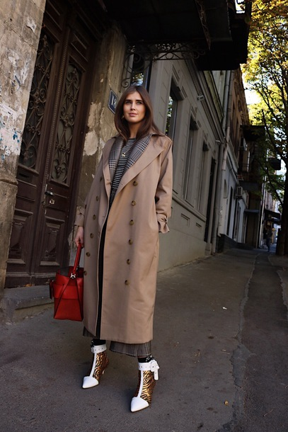 coat tumblr camel camel coat long coat camel long coat boots ankle boots bag winter outfits red bag streetstyle
