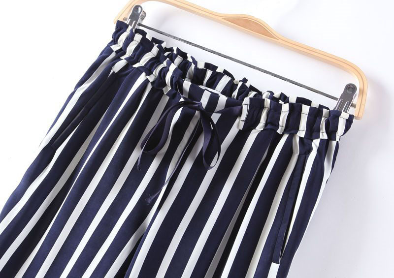 Vertical Stripes Printing Strapped Pants