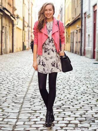 a cup of style blogger dress coral black and white dress jacket shoes bag