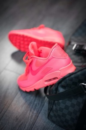 shoes,sportswear,pink,running,running shoes,air max,nike,dreamer,summer,summer shoes,low top sneakers,pink sneakers,rose,nike air max 90 hyperfuse,hyperfuse women size,nike sneakers,basket,bag,nike running shoes,neon pink,trainers