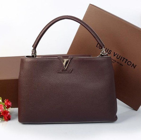 Louis vuitton elegant capucines bag