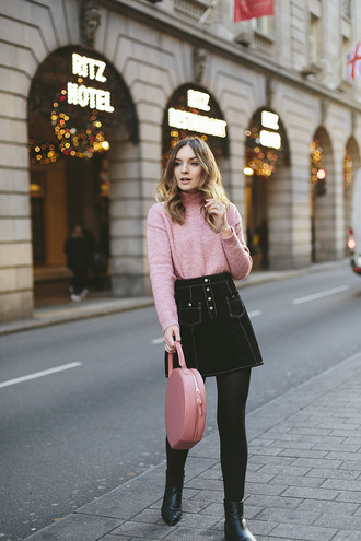 what olivia did... blogger sweater skirt shoes bag pink sweater black skirt pink bag ankle boots round tote tumblr turtleneck turtleneck sweater mini skirt tights opaque tights round bag boots black boots flat boots