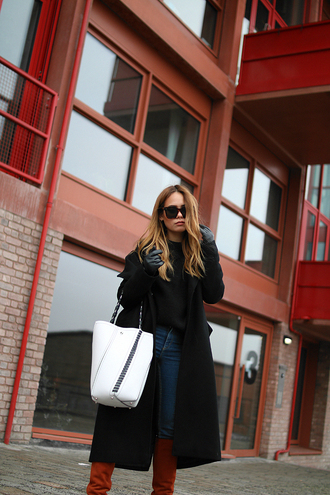 teetharejade blogger sweater shoes sunglasses gloves bag winter outfits tote bag boots black coat winter coat
