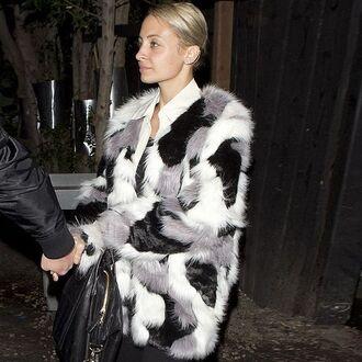 coat storets nicole richie celebrity style celebrity streetwear streetstyle winter outfits winter coat faux fur faux fur coat