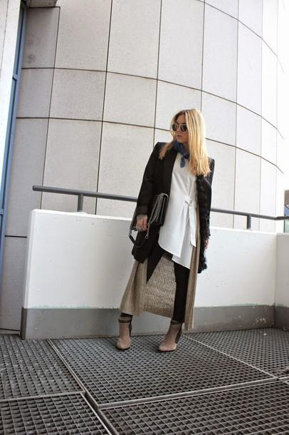 fashion twinstinct blogger black coat shoes jacket pants sweater bag jewels