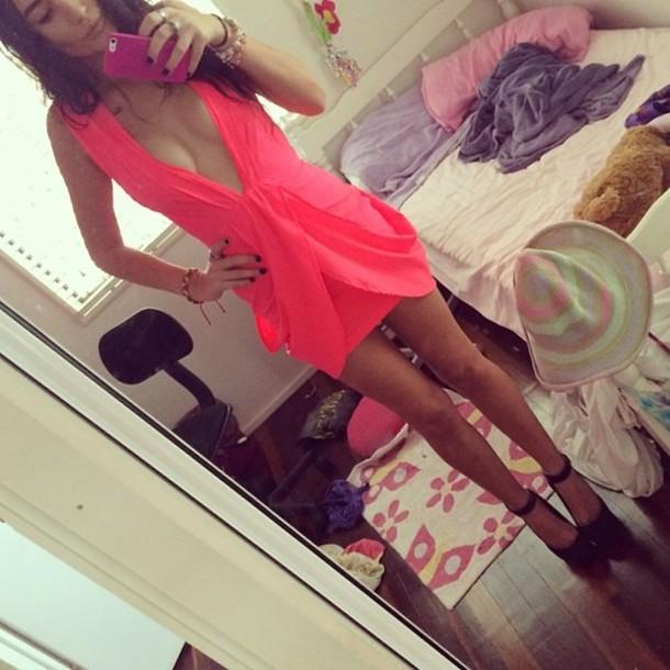 dress tight