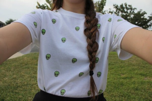 shirt white t-shirt alien green pale grunge teenagers vintage t-shirt teenagers cute