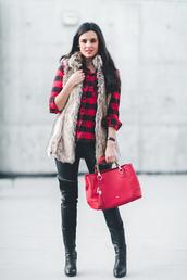 crimenes de la moda,blogger,shirt,jacket,coat,pants,jewels,shoes,bag,beige fur vest,tartan,red bag,black pants,black leather pants,leather pants,zipped pants