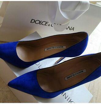 shoes electric blue electric blue shoes pumps blue shoes manolo blahnik pointed toe pumps