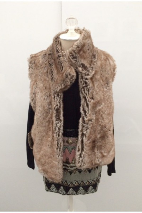 jacket vest fur fur vest snuggly soft fluffy winter outfits fall outfits clothings inspiration