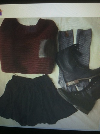 tank top black red skirt boots fall outfits outfit shoes black boots lace boots burgany sweater sweater maroon/burgundy sweater weather pocket t-shirt shirt burgundy shirr burgundy sweater black skater skirt knee high socks leather pockets socks