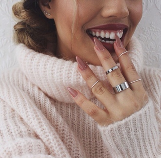 nail polish nails pedicure manicure pink beige peach nude ring smile teeth sweater high collar long nails cute fashion style lipstick acrylic acrylic nails piercing tumblr pointy nails brown blonde hair knit big rings jewlery jewllery thin rings small rings knuckle ring silver ring jewels