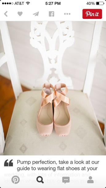 shoes baby pink in color size 5 5 1/2 or six price $10-$20