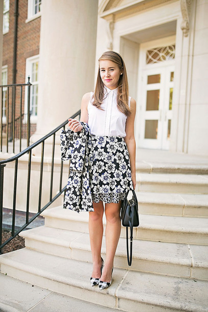 04bd85309962 a lonestar state of southern blogger bag skirt coat shoes shirt jewels  white top floral skirt