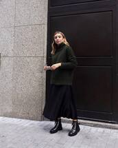 sweater,knitted sweater,turtleneck sweater,oversized sweater,knitwear,midi skirt,satin,ankle boots,sunglasses