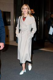 coat,emily blunt,celebrity,fall outfits