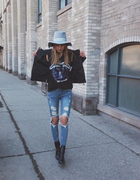 class is internal jacket t-shirt jeans shoes hat bag