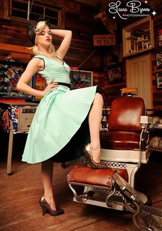50s style pin up housewife dress rockabilly dress vintage dress retro prom dress green dress fashion dress womens fashion streetstyle audrey hepburn dress