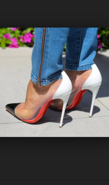 23f2cc10895 Get the shoes for $139 at angelinavoloshina.com - Wheretoget