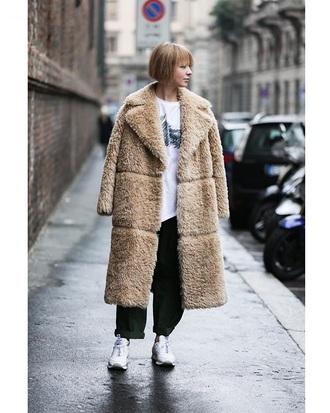 coat camel coat pants black pants streetstyle fuzzy coat teddy bear coat sneakers white sneakers