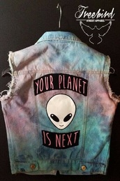 jacket,grunge,purple,lilac,alien,coat,jeans,galaxy print,colorful,soft grunge,goth,street,top,shirt,blouse,science,alternative,punk,extraterrestre,planets,your planet is the next,denim,denim jacket,space,pink,beautiful,glitter,rainbow,girly