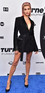 dress,blazer,black blazer,blazer dress,hailey baldwin,pumps,plunge dress,plunge v neck,model off-duty,celebrity