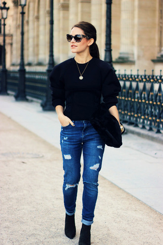 the little magpie blogger jeans jewels sunglasses ripped jeans casual necklace pouch furry pouch