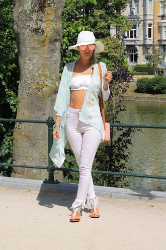 from brussels with love blogger blouse jeans bag shoes summer outfits sandals sun hat bandeau cardigan