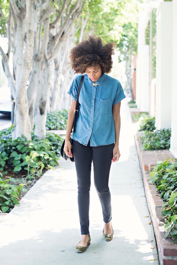 5441d124d style me grasie blogger shoes tory burch denim shirt short sleeve blue  shirt jeans black jeans.