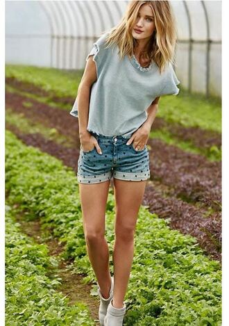 shorts top ankle boots rosie huntington-whiteley spring outfits shoes