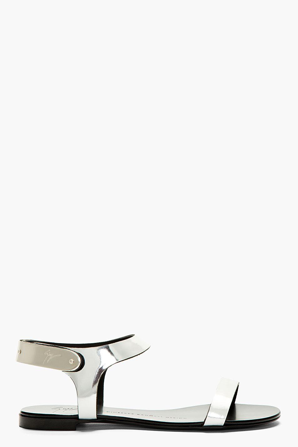 Giuseppe zanotti silver leather nuvoroll flat sandals