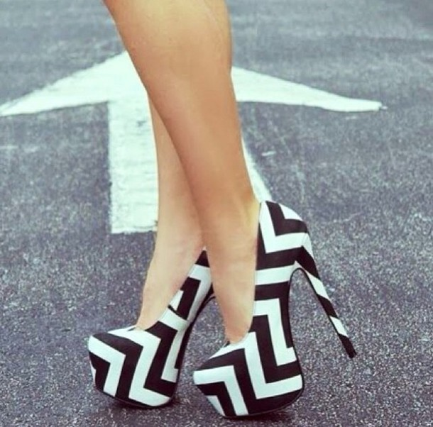 Shoes: chevron, black, white, high heels - Wheretoget