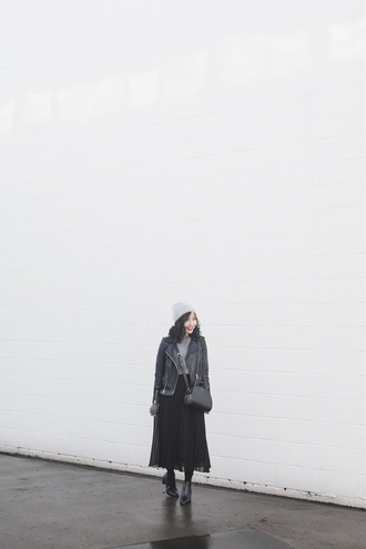 herwaisechoice blogger skirt shoes bag make-up black leather jacket beanie pleated skirt black skirt ankle boots black bag