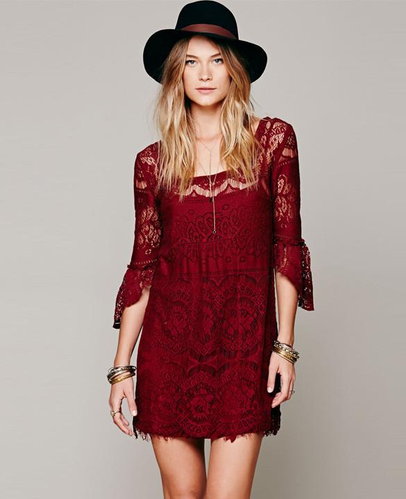 Vera lace dress