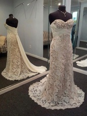 dress,lace dress,lace,lace wedding dress,ivory dress,beaded,pretty,prom dress,long prom dress,lace prom dress