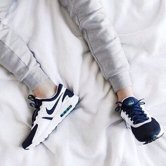 shoes sneakers nike