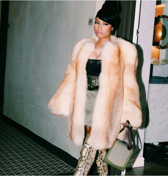 coat nicki minaj fur coat pretty woman eyebrows flawless