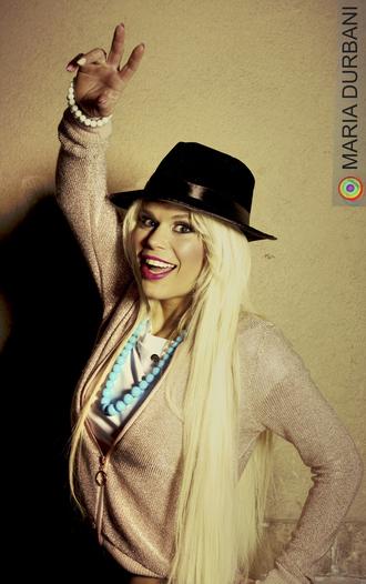 jacket durbani celebrity famous celebrity pink maria durbani make up artist