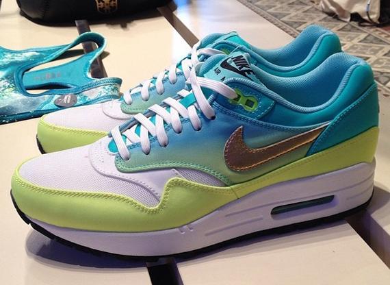 Nike Womens Air Max 1