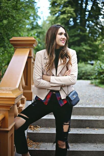 color me nana blogger jacket jeans bag