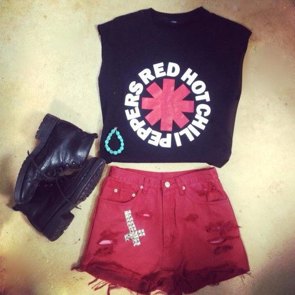 shirt red hot chilly peppers black t-shirt band t-shirt shorts