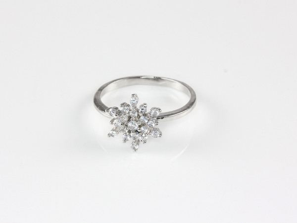 Snowflake Ring                           | Hello Miss Apple