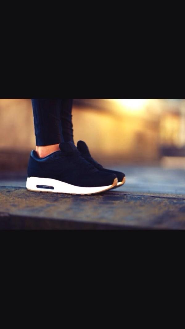 Nike Air Max 1 Black Gum
