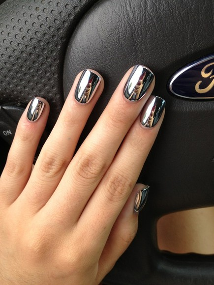 nail polish nails fashion metallic nail accessories cute cute dress nail polish silver reflective mirror pretty silver metallic nail pollish mirror reflection color silver mirror nail polish shiny metallic clutch mettalic crome nails mirrored nails metallic mirror metallic nails nail silver nail polish jewels
