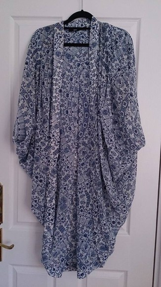 kaftan cardigan kimono sportsgirl kimono blue floral kimono blue floral floral kimono blue and white floral white and blue floral sportsgirl