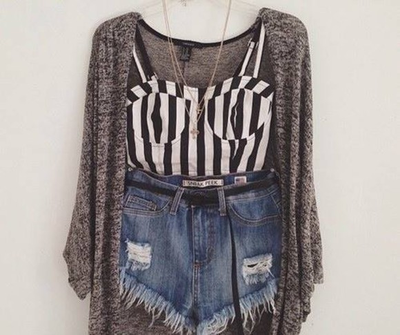 gold necklace sweater oversized sweater jeans shorts