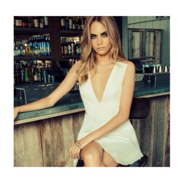dress white dress low cut white low cut dress prom dress prom open back open back dresses cara delevingne cara delevingne short dress short prom dress bandeau sleeveless dress
