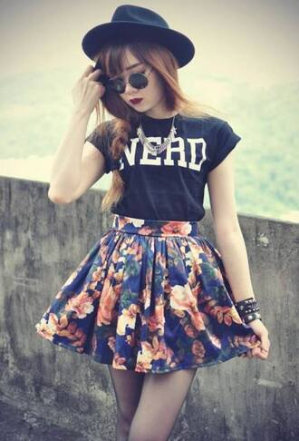 skirt clothes jewelry bracelets necklace stockings pantyhose blouse sunglasses jewels hat