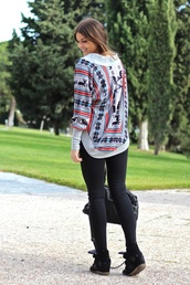 sweater,tribal pattern,aztec,grey,cardigan