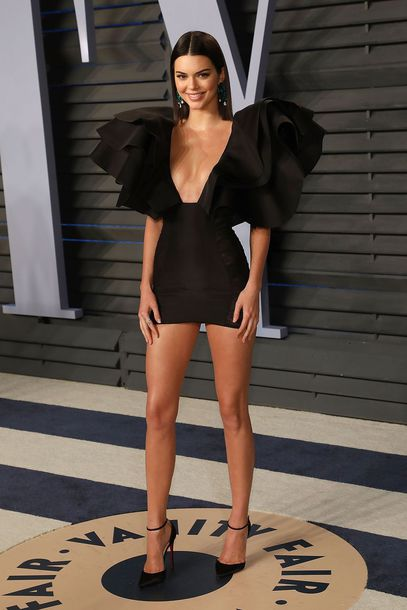 dress mini dress little black dress black dress plunge dress plunge v neck pumps kendall jenner kardashians black all black everything prom dress prom beauty prom shoes oscars 2018 shoes